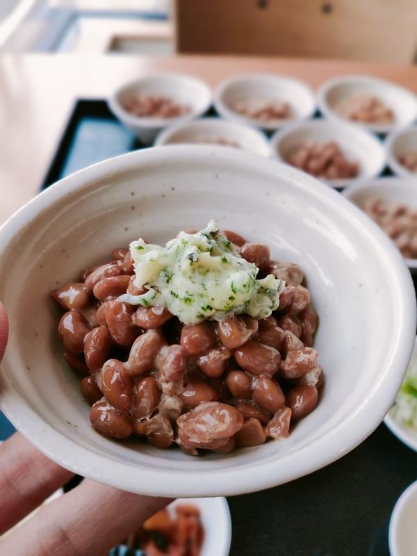 令和納豆の国産小粒納豆とブルギニオン風バター