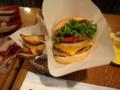 [食べ物]クラシックチーズバーガー