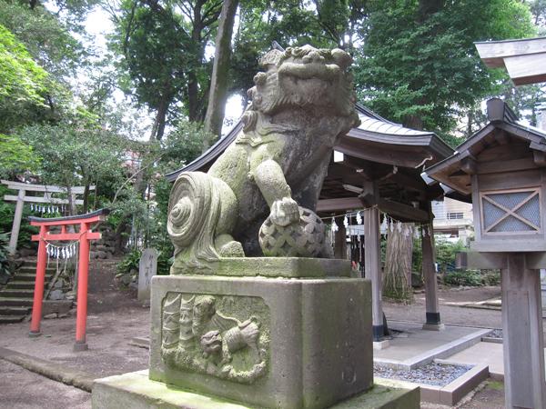 杵築大社の左の狛犬