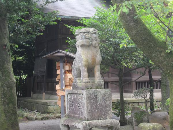 報徳二宮神社の左の狛犬