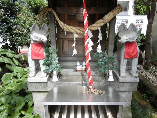 有楽稲荷神社の狐
