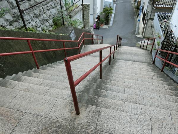 君の名はのロケ地になった四谷須賀神社の石段