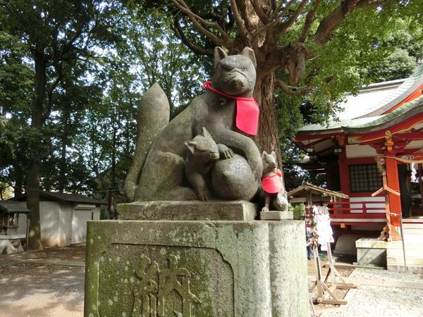 f永福稲荷神社の左の狐