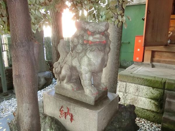 台東区金刀比羅神社の左の狛犬