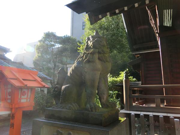藏前神社の左の狛犬