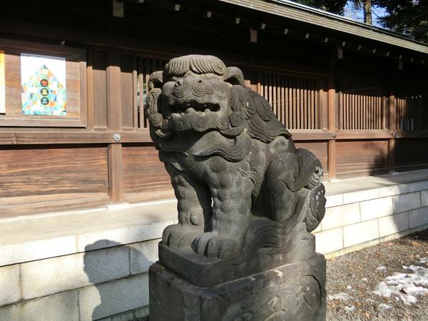 井草八幡宮の右の狛犬