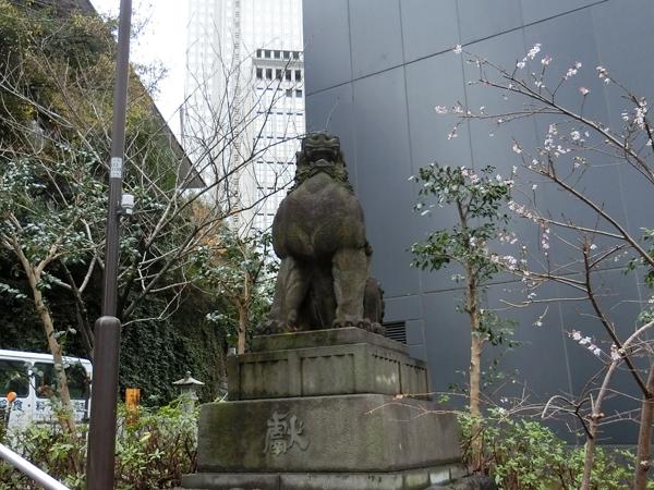 赤坂日枝神社の右の狛犬