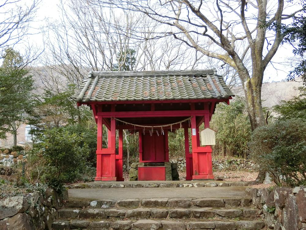 伊豆山神社本宮の紹介