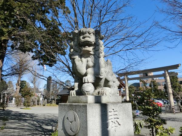 阿豆佐味天神社の右の狛犬