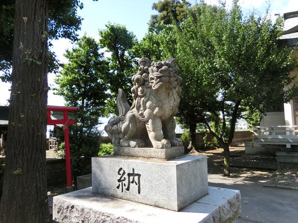 関前八幡神社の左の狛犬