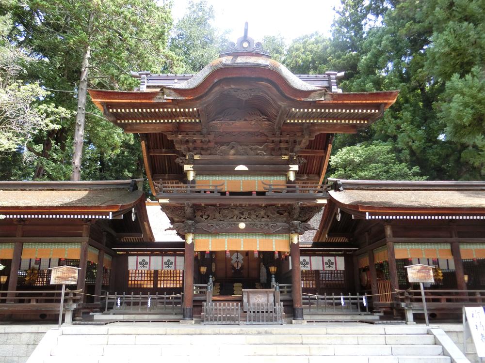 諏訪大社秋宮の紹介