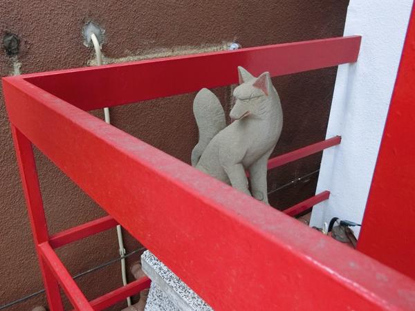 袖摺稲荷神社の左の狐