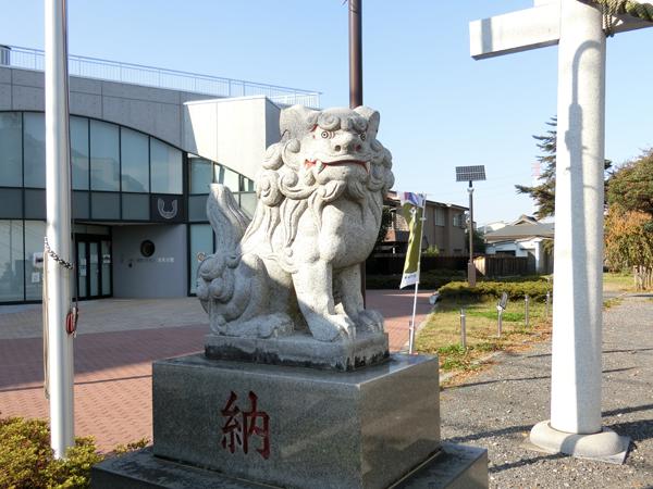 府中熊野神社の左の狛犬
