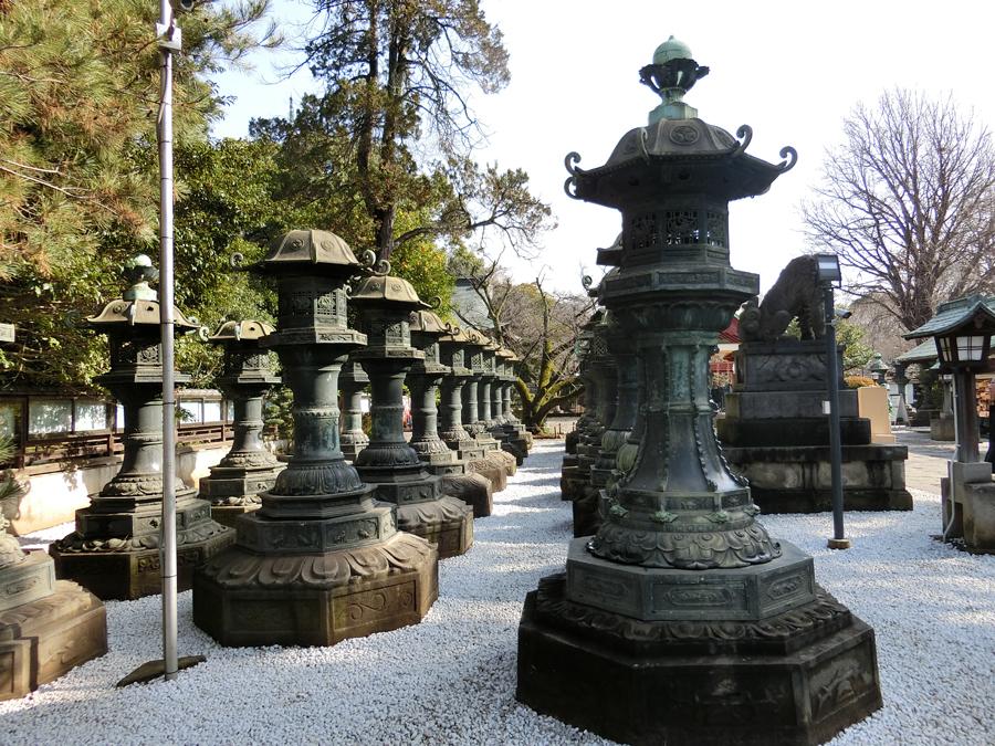 上野東照宮の銅燈籠