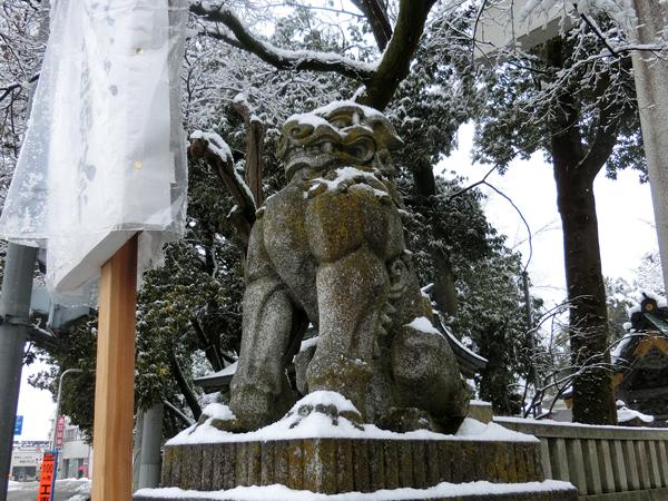 秩父神社の左の狛犬