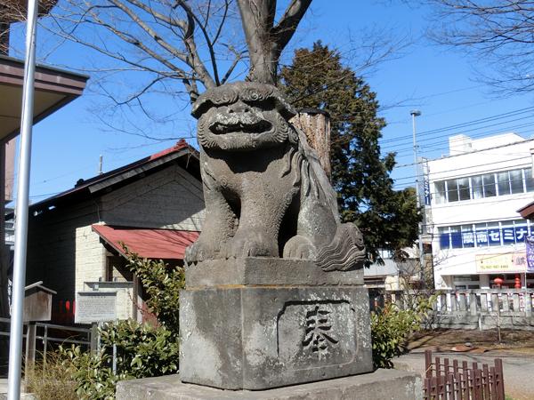 日野八坂神社の右の狛犬