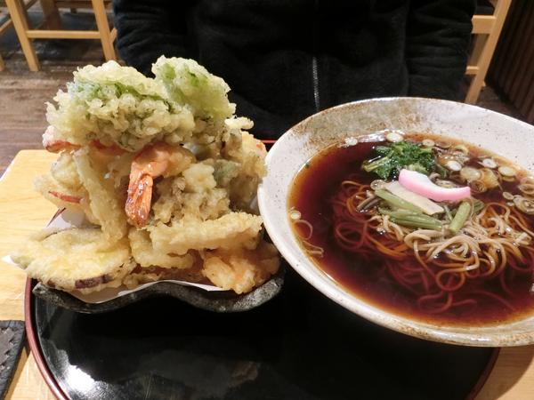 デカ盛りの天ぷら