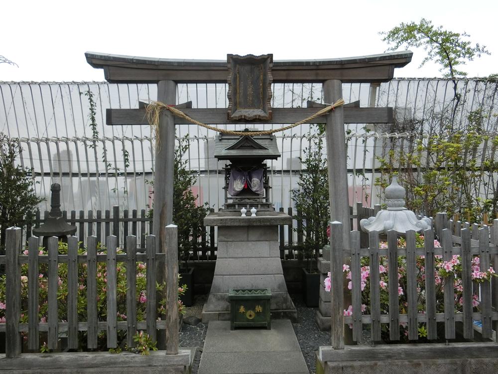 小田急豊川稲荷の紹介