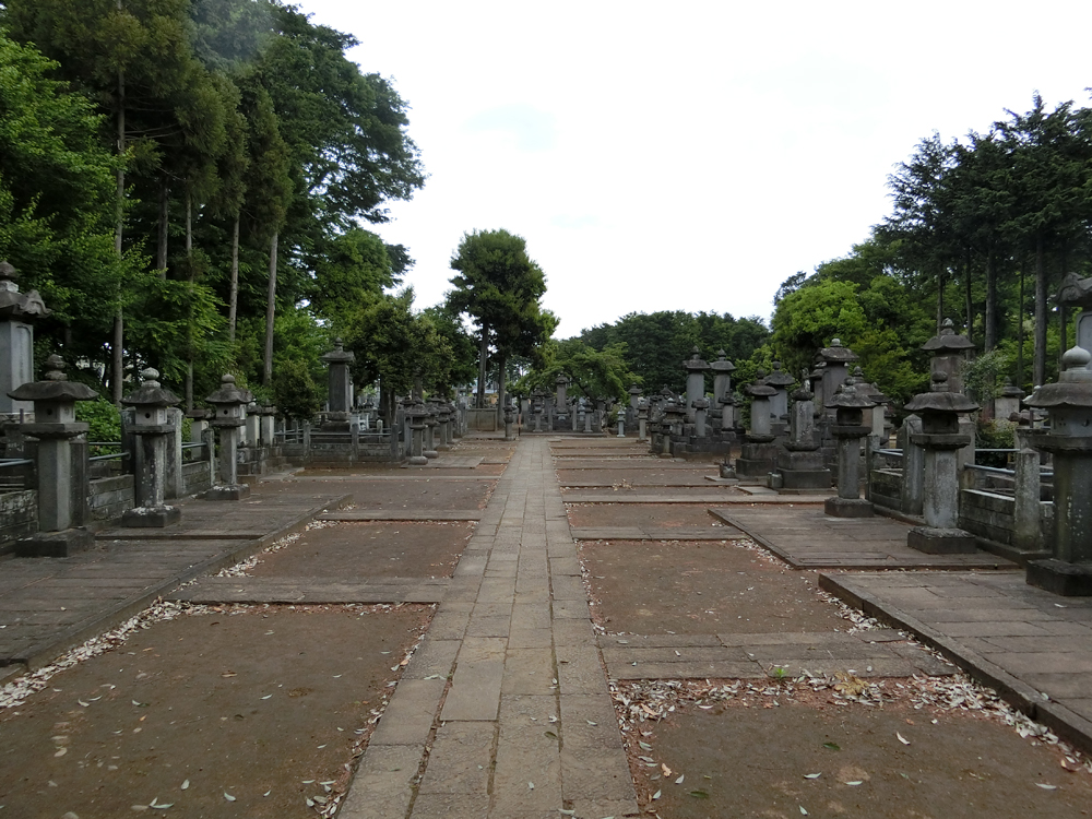 豪徳寺の井伊直弼のお墓