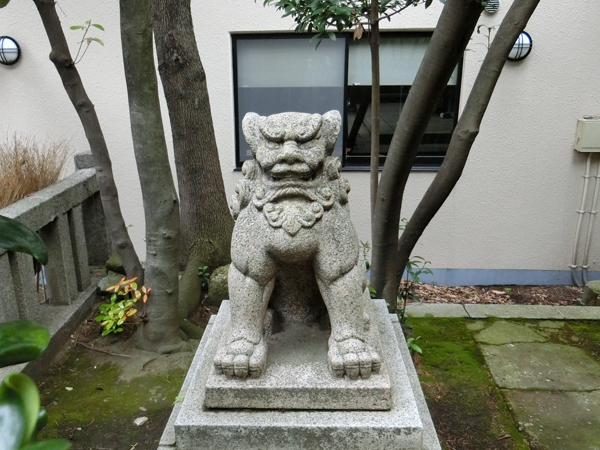 猿江神社の左の狛犬
