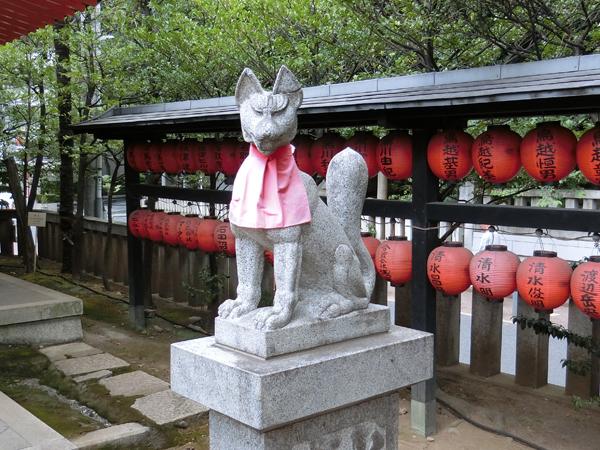豊栄稲荷神社の右の狐