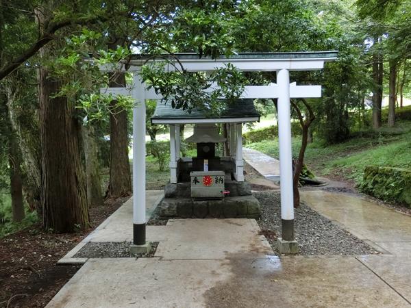 九頭龍の森にある白龍神社
