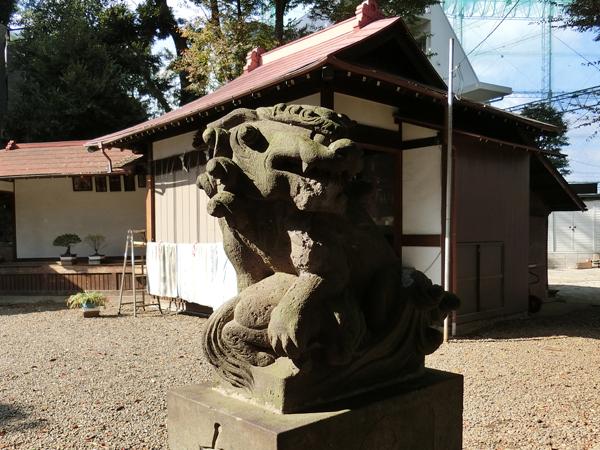 弦巻神社の右の狛犬