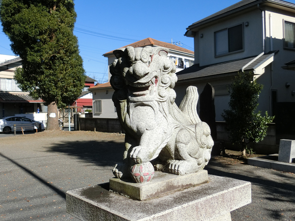 島守神社の右の狛犬