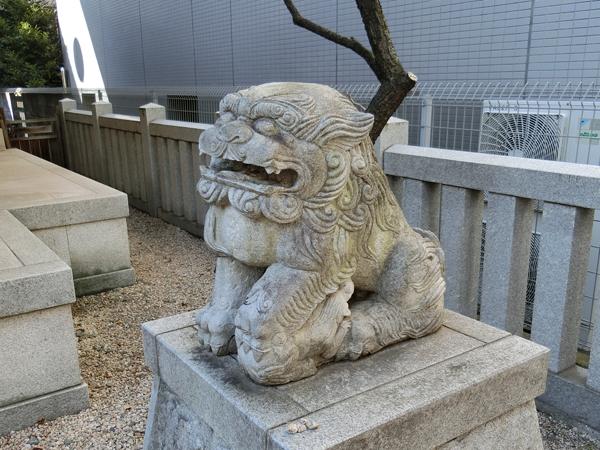 北野神社の右の狛犬