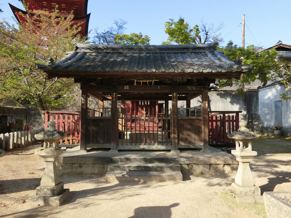 宮島にある荒胡子神社の紹介