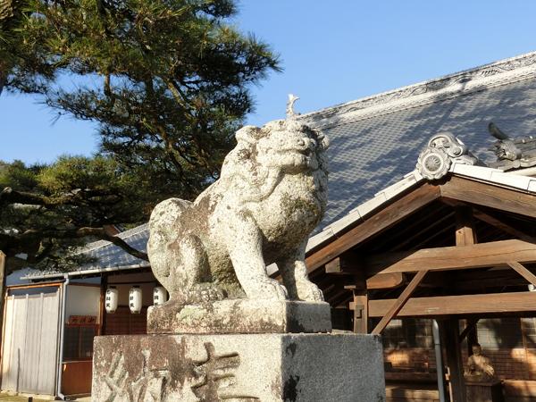大願寺の左の狛犬