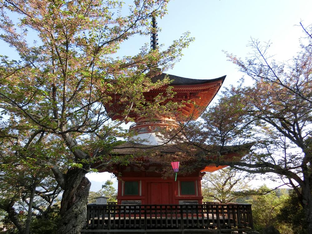 宮島の多宝塔の紹介