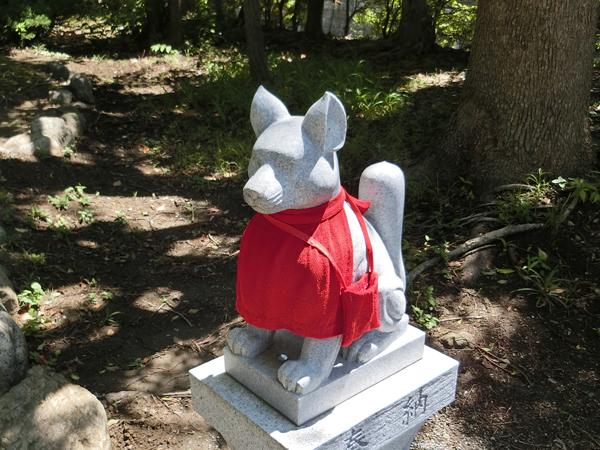 経六稲荷神社の右の狐