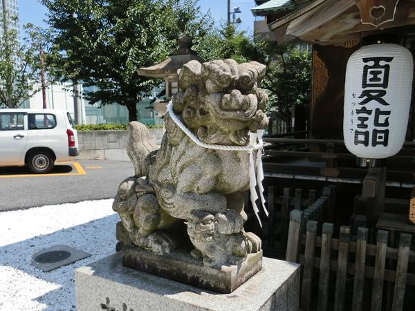 幸稲荷神社の左の狛犬