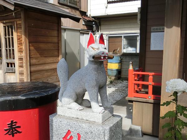 鴎稲荷神社の狐