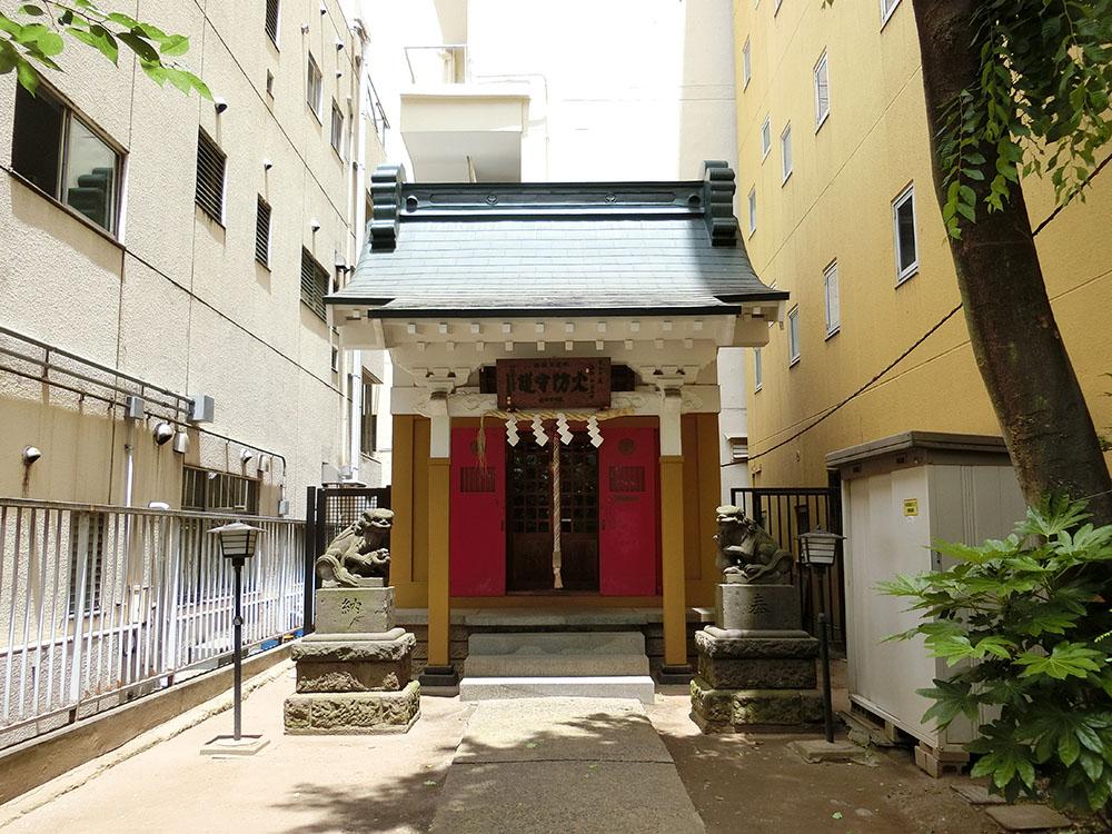 新宿御苑前にある秋葉神社の紹介