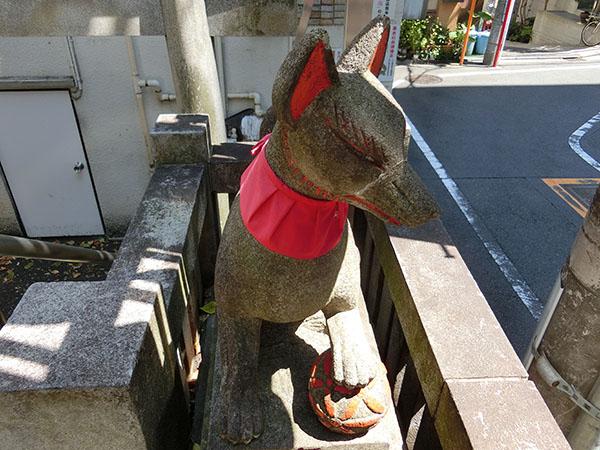 金丸稲荷神社の狐