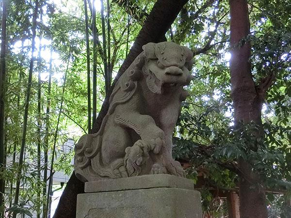 伊豆美神社の狛犬