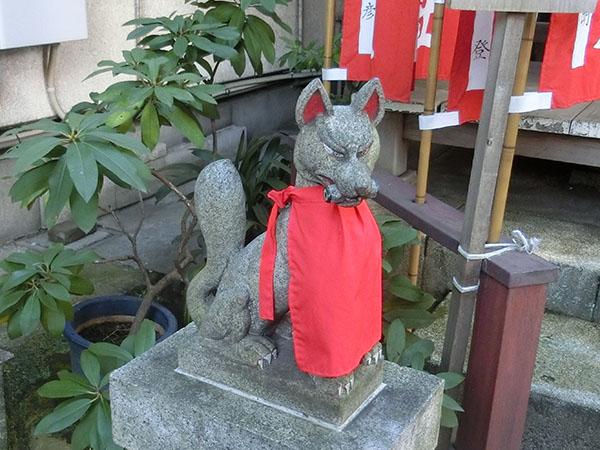 大松稲荷神社の神狐