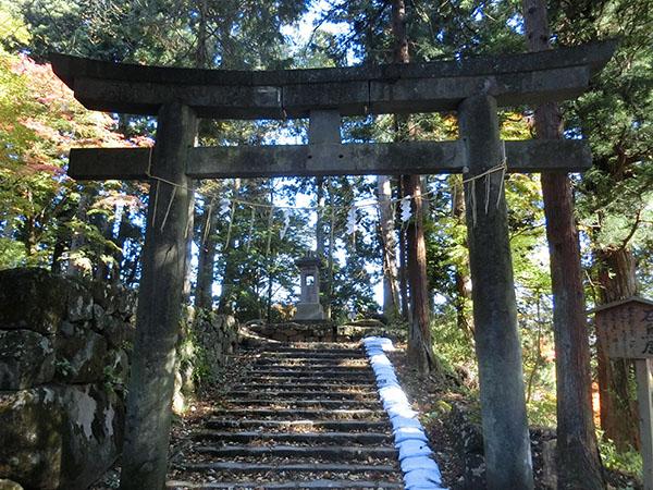 本宮神社の鳥居