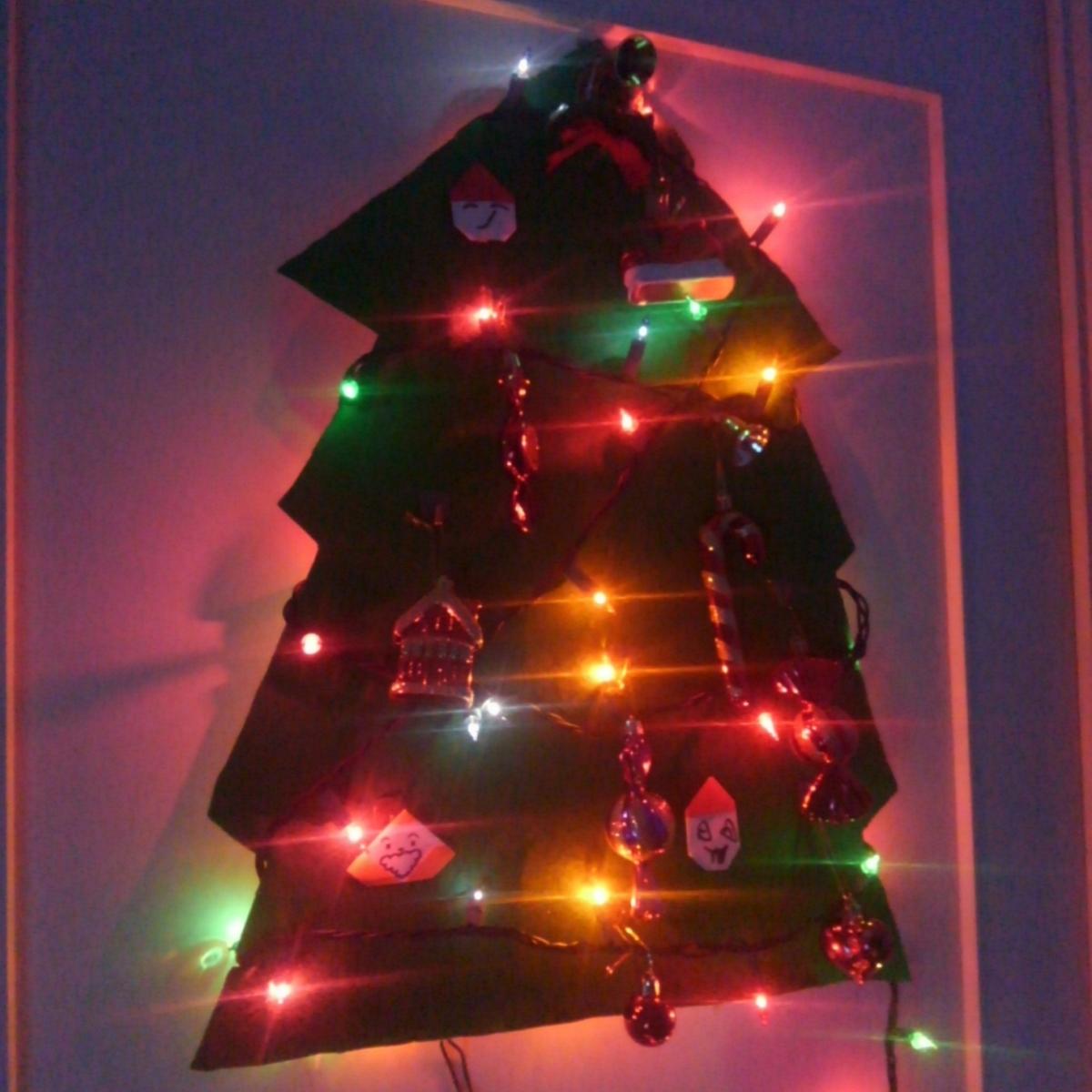 壁掛けクリスマスツリー いたずら防止