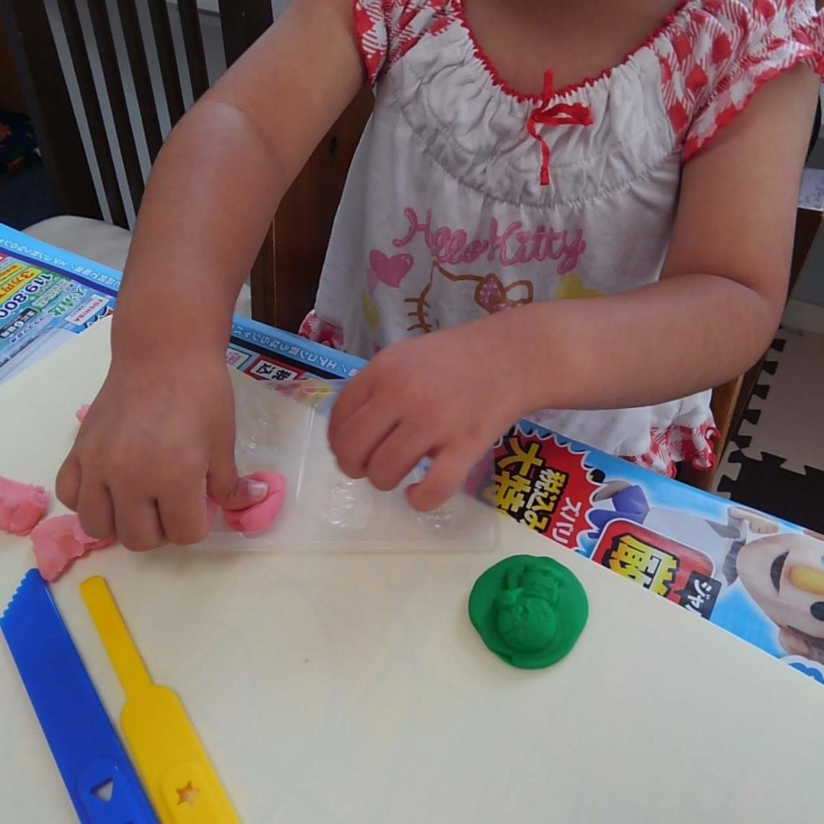 アンパンマン グミ 粘土遊び
