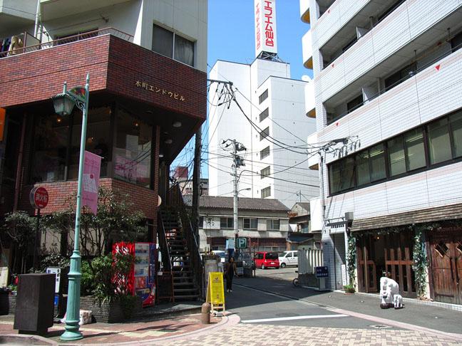 仙台 家具の街本町だけどメイドカフェ