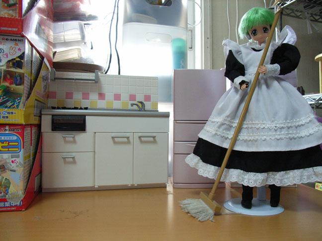お人形さんの部屋準備中