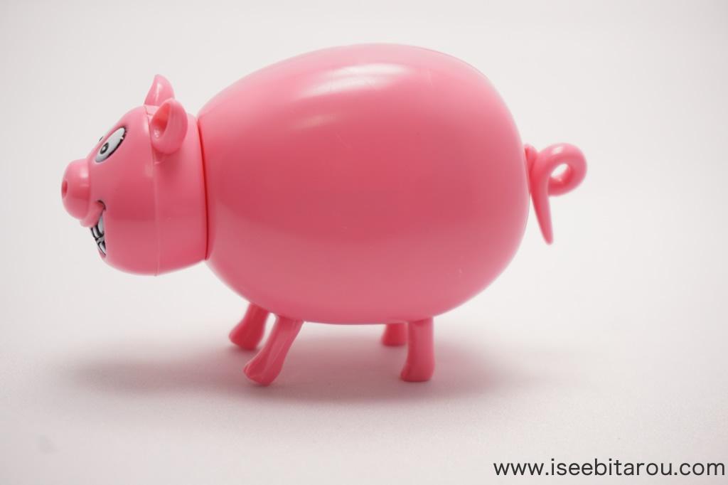 豚のチョコレートディスペンサー