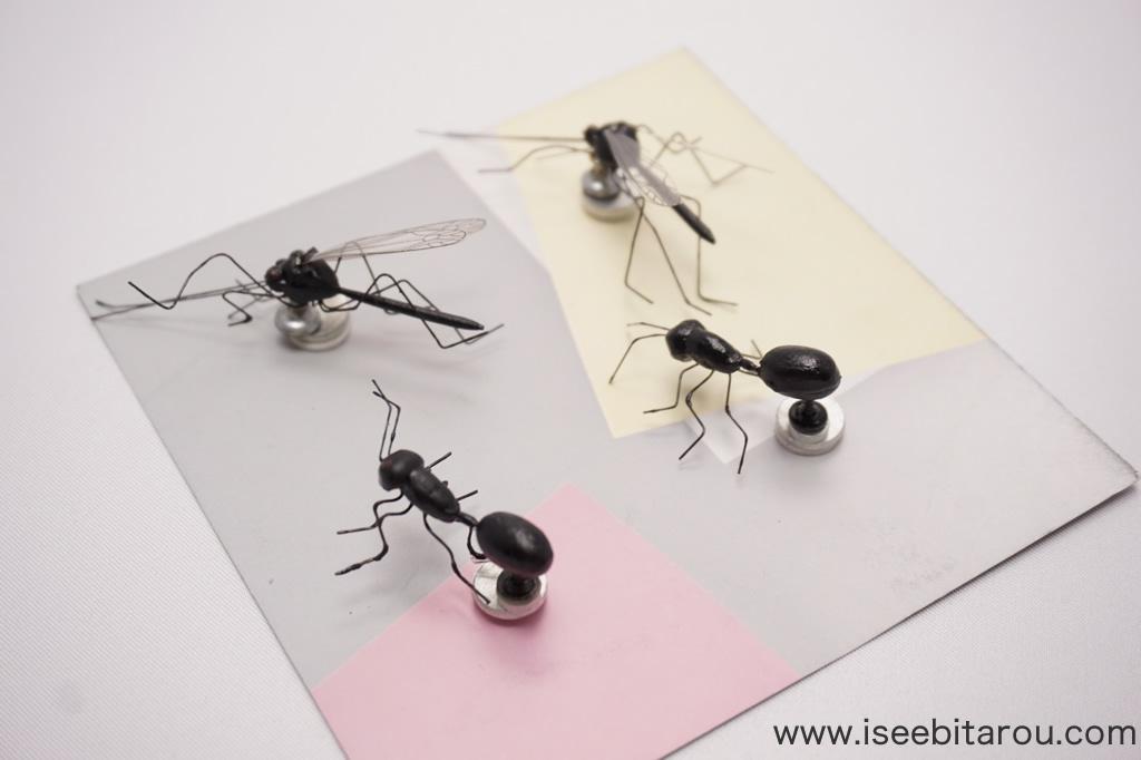 巨大な虫のマグネット