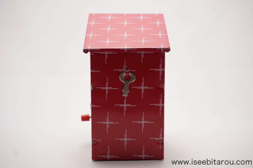 ブリキの貯金箱