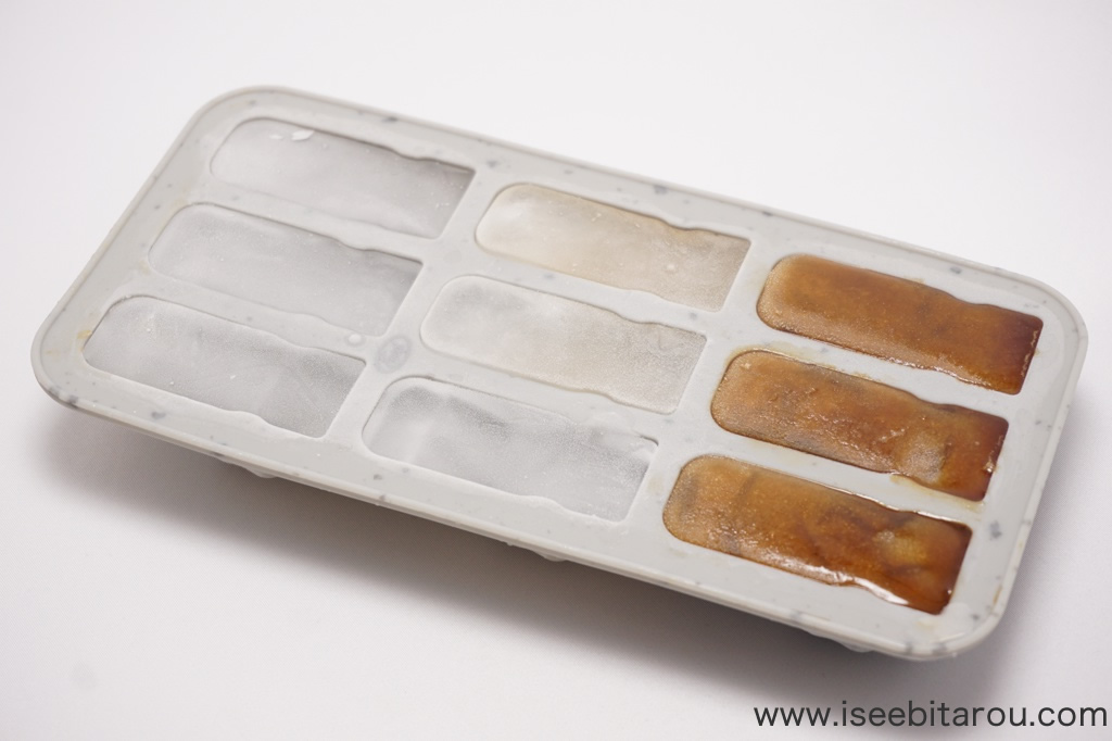 モアイ像の氷