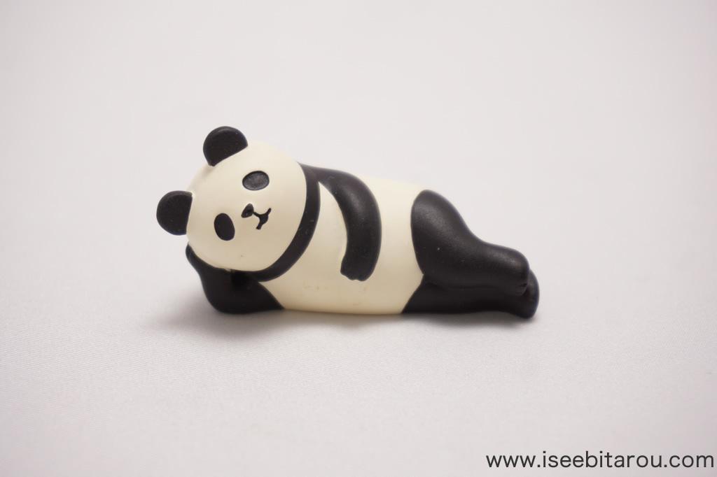 かわいいパンダの置物