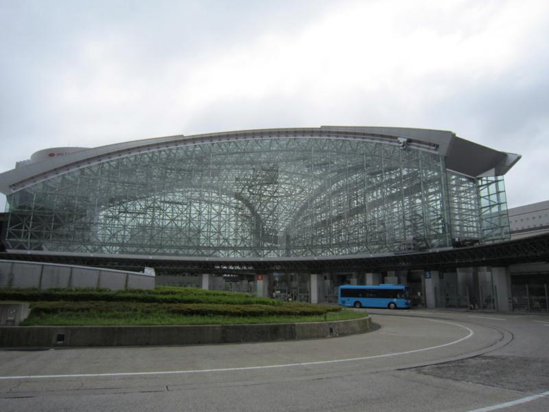 金沢駅横から